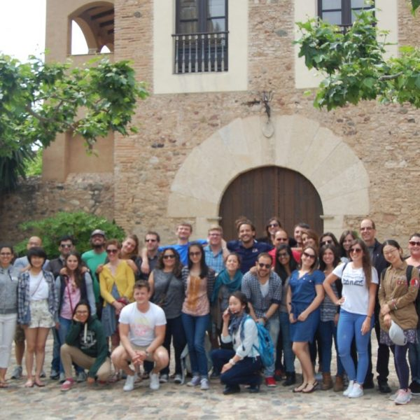 32 International Students Studying Bordeaux Wine Growing